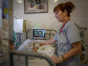 PrivatBank donates medical equipment children hospital corporate social responsibility csr